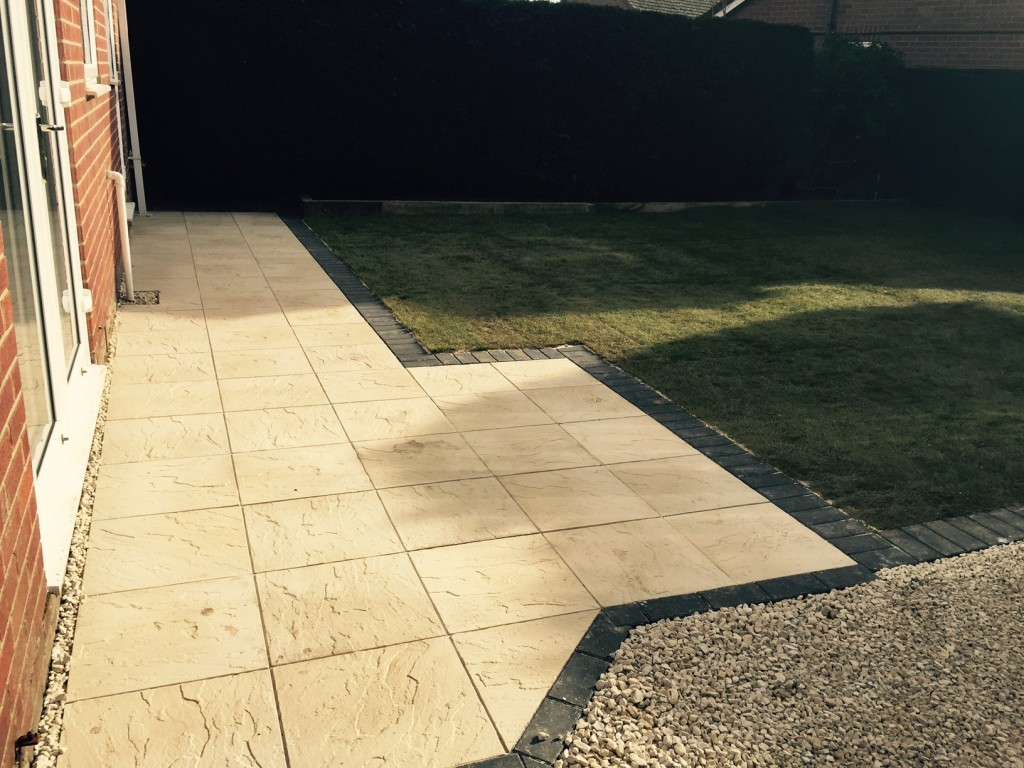 Completed Job - New Patio, Lawn and gravel pathway